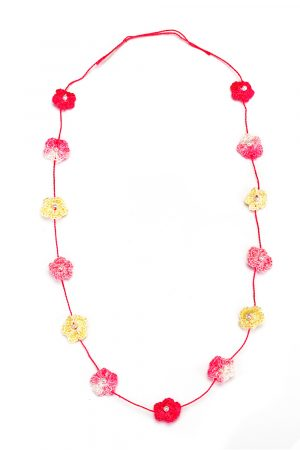 necklace made of small crochet flowers for girls-1